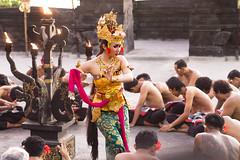 Mains et regard...hands and look..   Bali (geolis06) Tags: geolis06 bali uluwatu 2015 asie asia kecak ketchak kecakdance kecakdanse balinesedance dansebalinaise kecakcérémonie kecakceremony indonésie indonesia omdem5 olympus dance danse olympusm45mmf18