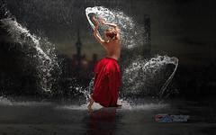 Carlos Atelier2 - Dança na chuva (Carlos Atelier2) Tags: carlos atelier2 dança na chuva mulher noite cidade