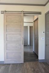 697 Pkt. Door