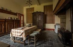 DSC_4190-HDR (Foto-Runner) Tags: urbex lost decay abandonné château castel dingue fou crazy passions haine