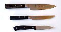 """Das Küchenmesser. Die Küchenmesser. Diese drei Küchenmesser sind unterschiedlich groß. Das obere ist am größten. • <a style=""""font-size:0.8em;"""" href=""""http://www.flickr.com/photos/42554185@N00/34073518311/"""" target=""""_blank"""">View on Flickr</a>"""