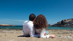 Pareja (kikivh96) Tags: playa beach way life couple husband wife sisters family lifestyle smile freedom sky sun sand sea love amor mar cielo son hija globos globo red blue game tones