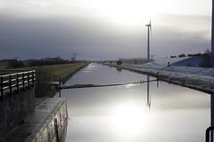 Sunny winter morning (Martijn A) Tags: sun zon light licht water canal kanaal maas waalwijk snow sneeuw morning ochtend cold koud ef35mmf2isusm canon 550d dslr eos wwwgevoeligeplatennl brabant