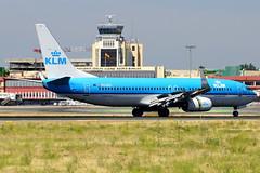 PH-BGC   737-8K2 KLM (Antonio Doblado) Tags: barajas madrid adolfosuarez phbgc boeing b737 737 klm