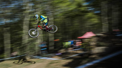 n b (phunkt.com™) Tags: uni mtb mountain bike dh downhill down hill world cup lourdes 2017 phunkt phunktcom keith valentine race set amazing great fantastic photos uci shimano by final lourdesvtt france