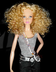 Accessorize! (RagingMoon1987) Tags: blueeyes barbie bluejeans blondehair mattel steffie barbiedoll blueeyeddoll blondedoll graytop barbiebasics