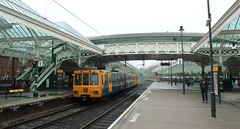 Tynemouth Metro Station (Derbyshire Harrier) Tags: spring metro market railway railwaystation lightrail tynemouth newcastleupontyne tynewear 2013 pathfindertours thenorthumbrianexplorer