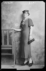 Ascoli com'era: gente d'Ascoli, un'elegante signora (1937) (Orarossa) Tags: italy fashion italia moda ritratto marche 1937 elegante ascolipiceno signora 02310053