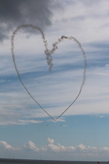 MAKING A HEART 8 (M7CCF STYLE! 2014) Tags: show sea sky cloud clouds canon eos fly george wings sand war king force air flight wing royal queen airshow airforce raf sunderland 650d
