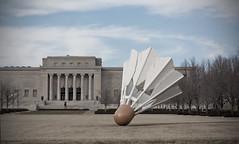 Nelson-Atkins Museum of Art (Frank Miller (knarfmo)) Tags: sculpture building architecture shuttlecock
