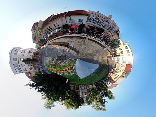 Planéta centrum / Planet downtown