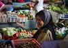 Laughing Market Trader, Dungun Market (Luke Robinson) Tags: asia honeymoon market malaysia dropbox terengganu dungun 2013 tanjungjara kualaterangganu