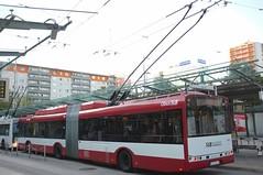 Salzburg (austrianpsycho) Tags: bus salzburg busse 5 bahnhof hauptbahnhof busses hbf bushaltestelle busstation solaris slb trolleybus heck 307 busbahnhof obus bgel gelenkbus stromabnehmer linienbus oberleitungsbus salzburgag salzburghbf salzburghauptbahnhof sudtirolerplatz