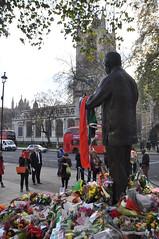 DSC_2007 Nelson Mandela Tribute and Memorial Parliament Square (photographer695) Tags: square memorial parliament nelson tribute mandela