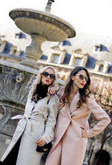 fabulous muses_paris street style_ martin grant collection_diana enciu_alina tanasa (7) (diana.enciu) Tags: absolutelyfabulous lacedress fashionblog martingrant oscardress ballerinadress parisstreetstyle alinatanasa dianaenciu marialuciahohan fabulousmuses parischerie