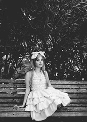 (Vampyyri.Lauri) Tags: chile pink white black laura cute blanco 35mm mar nikon ribbons doll dress viña bokeh negro jardin lolita botanico 35 japon vestido jardinbotanico afs muñeca kawai viñadelmar nipon gyaru muñequita byw rosado listo tudela nikor bokehlicious focalfija nikonista d7000 nikond7000 lauratudela