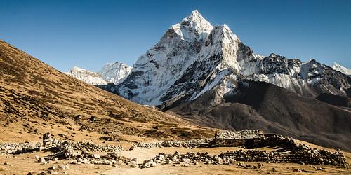 Dingboche (4410m) au pied de l'Ama Dablam (6856m).