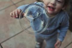 Everything must go - Tout s'en va (fred_v) Tags: everythingmustgo flickrfriday bulle bubble enfant kid explored