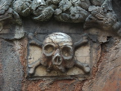 Skull and crossbones, old Coventry Cathedral (Steve Hobson) Tags: skull crossbones coventry cathedral