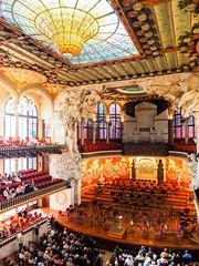 Tocar el cel (jocsdellum) Tags: palaudelamúsica barcelona catalunya catalonia modernisme arquitectura