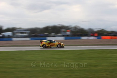 Martin Depper in race three at the British Touring Car Championship 2017 at Donington Park