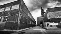 Zeche Zollverein (frankdorgathen) Tags: outdoor cloud sky wideangle perspective abandoned industry architecture building blackandwhite monochrome ruhrgebiet essen zollverein zeche