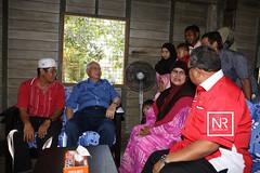 Lawatan ke kediaman peserta-peserta bagi program Jom Bantu Rakyat (JBR).Kg.Chabang 3 Melawi,Bachok,Kelantan.12/3/17 (Najib Razak) Tags: lawatan ke kediaman pesertapeserta bagi program jom bantu rakyat jbr kg chabang 3 melawi bachok kelantan