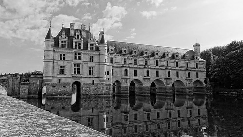 Chenonceau castle in Black and White