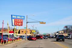 Big Bill's Used Cars, Milwaukee (Cragin Spring) Tags: city wisconsin wi urban unitedstates usa unitedstatesofamerica midwest milwaukee milwaukeewi milwaukeewisconsin street sign oldsign neon neonsign vintage vintagesign bigbills bufbillsusedcars bigbillsusedcars