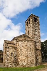 Santa Maria de Barberà (SBA73) Tags: catalunya catalonia catalogne catalogna katalonien cataluña каталония 加泰罗尼亚 カタルーニャ州 vallès vallèsoccidental barberà barberàdelvallès santamariadebarberà laromànica catalancounties medieval middleages edatmitjana catalan romanesque d750 romanic románico campanar campanario belfry belltower tower llombard arcuacions absis absides apses triabsidial history