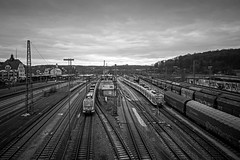 rail traffic (freiraum7) Tags: sony a7ii i zeiss biogon 25mm f28 zm leica m