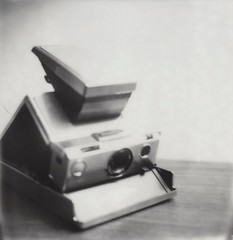 """SX-70 beauty shot • <a style=""""font-size:0.8em;"""" href=""""http://www.flickr.com/photos/31729324@N02/34227674236/"""" target=""""_blank"""">View on Flickr</a>"""