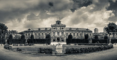 Parlament de Catalunya (miquelom) Tags: parlament catalunya bnw blackandwhite sepia virado paisaje