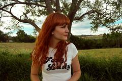 (Rafaela Gorski) Tags: ruiva redhead foxylady interior paisagem retrato woman nature natureza tree vintage retro girl