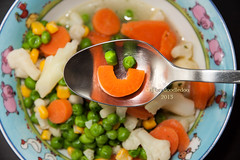 Eat Your Vegetable! (labradoodledoo) Tags: food face vegetables smiling happy healthy essen drink lifestyle happiness smiley cauliflower peas carrots gemse glcklich erbsen blumenkohl speisen gesundes karroten