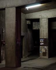 Villeurbanne II (jpk.) Tags: 2013 canoneos7d frankreich juni kamera monate reise unterwegs ©janphilipkopka lyon villeurbanne insa rotondedelinsadelyon rotunde beton concrete nachts abends campus insalyon campuslyon efs281755mm