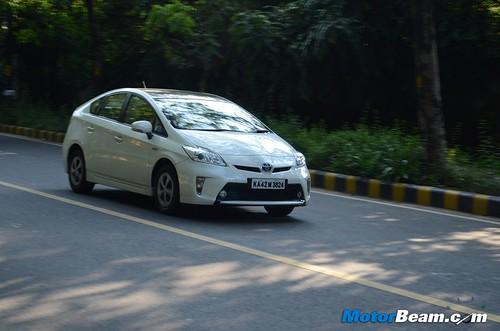 2013-Toyota-Prius-50