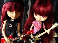 Skupe - Yoshi & Susumi Nakano (Lunalila1) Tags: music rock outfit twins doll bass guitar handmade wig shade nakano groove pullip yoshi susumi taeyang junplaning skupe stica