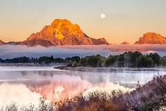 setting moon at Oxbow Bend - explore #2 October 29, 2013 (Marvin Bredel) Tags: unitedstates wyoming moran jacksonhole grandtetonnationalpark marvinbredel