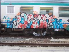 Immagine 053 (en-ri) Tags: train writing torino graffiti grigio crew rosso azzurro dren haiz rotels
