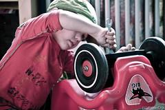 young mechanic- (DHTN-Durf het toch niet) Tags: red car rood mechanic durfhettochniet dhtn fvandijk