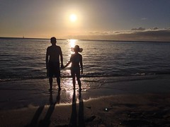 Waikiki Lovers Sunset (AngelBeil) Tags: sunset beach hawaii photo waikiki couples ideas