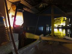 Fährfahrt Sungai, Kuching, Sarawak, Borneo / Malaysia (anschieber | niadahoam.de) Tags: borneo kuching 2012 nachtaufnahme 201203 sarawakmalaysia schiffeboote