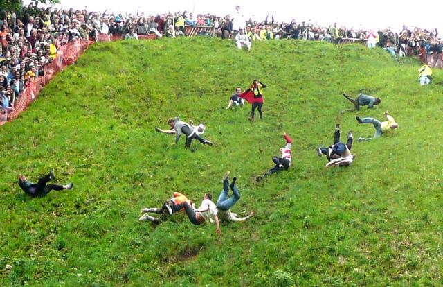 グロスター(イギリス)のお祭り:チーズ転がし祭り
