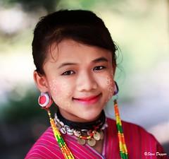 0S1A1394 (Steve Daggar) Tags: thailand chiangmai culture portrait costume longneck karinlongneck hilltribe candid