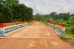 """The motorbiker took me to Cavalla river to show me the non official border to Guinea only 20 meters from me on the other side of the river. Wowww. I was tempted 😜 Sanniquellie. Liberia  March 2017 #itravelanddance • <a style=""""font-size:0.8em;"""" href=""""http://www.flickr.com/photos/147943715@N05/32826434704/"""" target=""""_blank"""">View on Flickr</a>"""