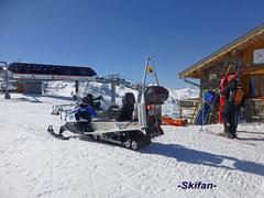 Arrivée TSD Becca + Chalet Pisteurs (-Skifan-) Tags: chaletpisteurs lesmenuires tsdbecca 3vallées les3vallées skifan