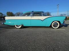 1955 Ford Crown Victoria (splattergraphics) Tags: 1955 ford fairlane crownvictoria cruisenight lostinthe50s marleystationmall glenburniemd