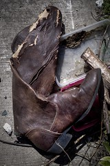 Alley Boot (CarusoPhoto) Tags: funny odd trash chicago city alley boot f18 50mm ks2 carusophoto caruso john pentax