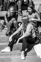 Festa delle donne 2017 - Piazza Santissima Annunziata (Sandro Albanese) Tags: festadelledonne marzo 8 8marzo 8thmarch 8march firenze florence toscana tuscany womensday donna donne woman women ragazzi ragazze teen teens boys girls boy girl stop saystop feminine femminile violenza violence colori colore colour colours bianco nero black white blackandhite biancoenero